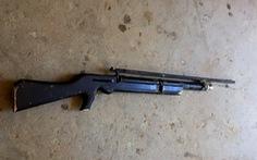 Dùng súng tự chế bắn người hút cát trộm cùng thôn