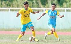 Phận long đong và chuyện chân đế của bóng đá Việt