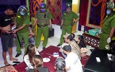Phát hiện 19 khách và nhân viên quán karaoke dương tính với ma túy