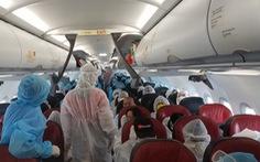 Vietjet bay 4 chuyến đưa hơn 800 khách trở về nhà từ 'tâm dịch' Đà Nẵng