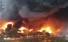 Biển lửa thiêu rụi xưởng sơn 2.000m2 ở Bắc Ninh