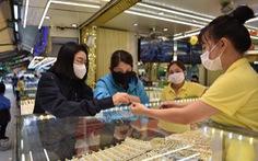 Giá vàng vọt lên trên 57 triệu đồng/lượng