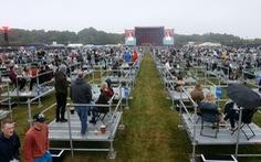 Chương trình hòa nhạc 'giãn cách xã hội' đặc biệt tại Anh