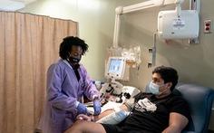 FDA Mỹ tạm dừng cấp phép điều trị Covid-19 khẩn cấp bằng huyết tương