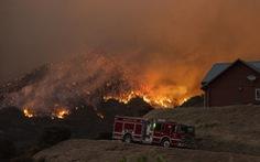 Cháy rừng ở Nam California, gần 8.000 người sơ tán