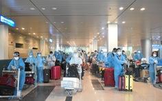 Đón 242 công dân từ Singapore về nước, cách ly tại Vĩnh Long và Sóc Trăng