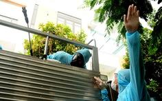 Phòng hóa Quân khu 5 phun khử trùng dập dịch tại điểm nóng Quảng Nam