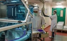 Các tỉ phú Ấn Độ quyết tâm sản xuất vắcxin ngừa COVID-19 ngay giai đoạn thử nghiệm