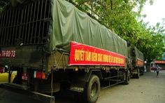 Xe quân sự chở vật tư y tế ùn ùn đổ về Đà Nẵng, Quảng Nam