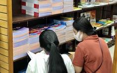 TP.HCM: Nhiều nhà sách hết sách giáo khoa, NXB 'hẹn' 1-2 ngày có