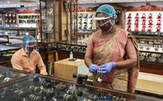 Quốc gia luôn tích trữ vàng, nay người dân Ấn Độ đã phải bán vàng