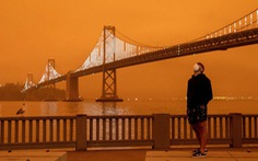 Bầu trời vùng Bay Area, California rực màu cam lửa