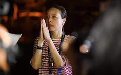 Nữ chủ tịch CLB Thái khóc xin lỗi vì sân mất điện cả tiếng khi 2 đội đang đá