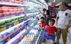 Doanh nghiệp sữa chạy đua, khách   hàng đắc lợi