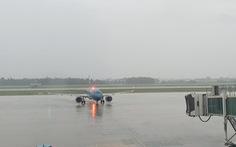 Hủy nhiều chuyến bay đi, đến sân bay Vinh, Huế