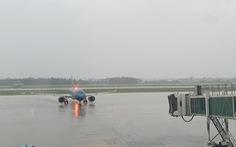 Nhiều hãng điều chỉnh giờ bay sớm hơn, trước giờ bão số 9 đổ bộ