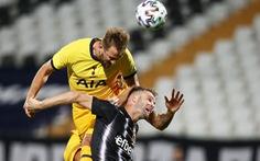 Tottenham vất vả giành chiến thắng nhờ đối phương bị đuổi 2 người