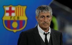 Quique Setien đâm đơn kiện, Barca gặp rắc rối ở vị trí HLV trưởng