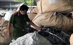Gần 200 tấn chất thải công nghiệp giấu trong kho hàng một doanh nghiệp tại Biên Hòa