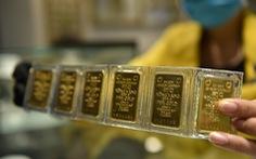 Giá vàng thế giới tiếp đà tăng, nhắm ngưỡng 1.900 USD/ounce