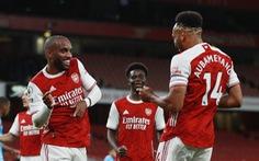 Arsenal suýt khóc hận ở sân nhà nhưng vẫn có trận thắng thứ 2 liên tiếp