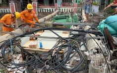 Vì sao bão số 5 chỉ mạnh cấp 8 nhưng 272 cột điện ở Huế gãy đổ?