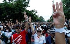 Quốc hội Thái Lan hoãn sửa đổi Hiến pháp, 'chọc giận' người biểu tình