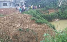 Vô ý rớt xuống hồ nước tưới cà phê, 3 học sinh nhỏ tuổi chết đuối
