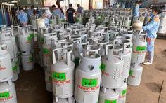 Giá gas tăng lần thứ 3 liên tiếp, thêm 6.000 đồng mỗi bình 12kg