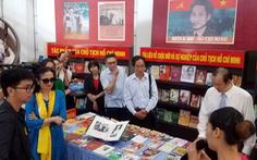 Trưng bày tư liệu về Chủ tịch Hồ Chí Minh và văn nghệ sĩ