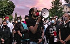 Mỹ đình chỉ 7 cảnh sát làm người đàn ông da màu Daniel Prude ngạt thở và tử vong