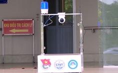 Thầy giáo trẻ chế robot thay người phục vụ khu cách ly điều trị bệnh nhân COVID-19