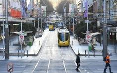 Melbourne gia hạn phong tỏa nghiêm ngặt thêm 2 tuần