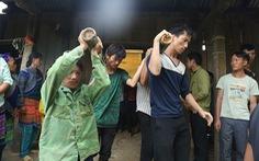 Cổng trường đè chết 3 học sinh: Bản Phung chết lặng sau buổi học đầu
