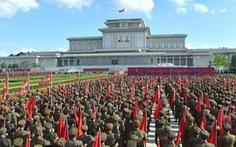 Triều Tiên lập 'Hội thề Bình Nhưỡng' trước Cung điện Mặt trời Kumsusan