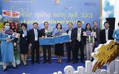 180 khách Hà Nội xông đất Đà Nẵng năm mới được nhận quà