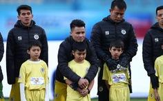 Ban tổ chức trận Siêu cúp quốc gia xin lỗi việc các cầu thủ nhí bị lạnh