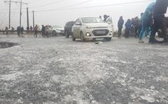 Ôtô, xe máy gặp nạn trên đèo Ô Quy Hồ do mặt đường đóng băng