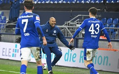 Schalke 04 tạm quên khủng hoảng