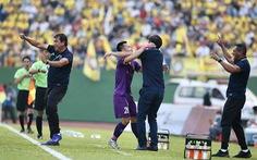 Video Tô Văn Vũ tái hiện siêu phẩm của Son Heung Min vào lưới Arsenal