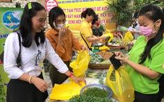 Rau trồng từ sân thượng cưu mang những phụ nữ khó khăn