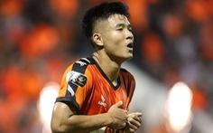 Video Đức Chinh ghi bàn thắng đẹp, và pha bỏ lỡ khó tin