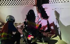 Chạy xe máy tông sập cả tường nhà dân dẫn đến tử vong