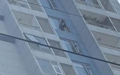 Cứu cô gái có ý định tự tử tại chung cư Cantavil