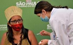 Các nước đôn đáo mua vắc xin ngăn COVID-19 và biến thể mới