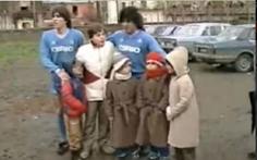 Maradona từng đi 'đá phủi' để cứu một em bé khuyết tật
