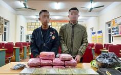 Hai học sinh trung học chở 12 bánh heroin, 54.000 viên ma túy
