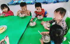 Phụ huynh tố trường mầm non cắt khẩu phần ăn của trẻ
