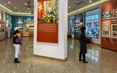 Trưng bày 'Chủ tịch Hồ Chí Minh - người sáng lập, lãnh đạo và rèn luyện Đảng...'