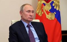 Tổng thống Putin đề xuất bỏ giới hạn độ tuổi với công chức